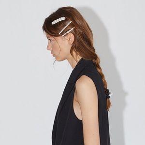 ZARA PACK OF FAUX PEARL HAIR CLIPS